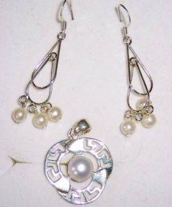 Pandantiv si cercei din argint cu perle de cultura