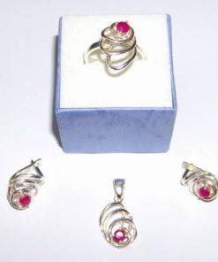 Set din argint cu cristal de rubin