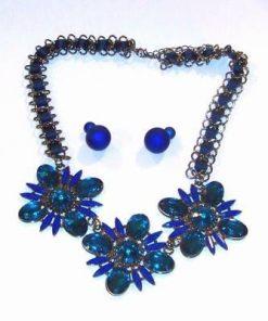 Set din metal nobil - colier si cercei - albastre