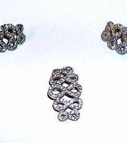 Set din argint cu cristale de marcasite - cifra 8 stilizata