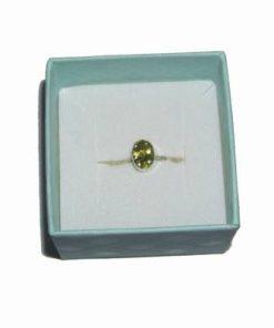 Inel din argint 925 lucrat manual cu cristal de peridot