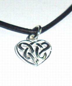 Pandantiv din argint in forma de inima - model deosebit!