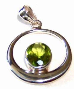 Pandantiv din argint si cristal de olivina - model unicat!
