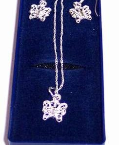Set de bijuterii din argint cu fluturii dragostei