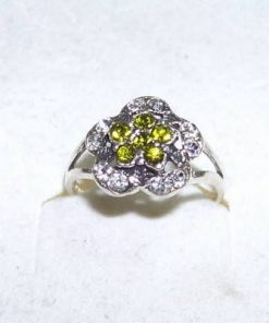 Inel din argint cu cristal de olivina - model unicat