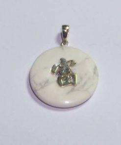Pandant din howlit cu ideograma norocului din argint