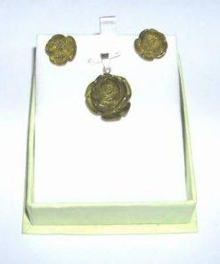 Set din argint cu chihlimbar compus din pandant si cercei
