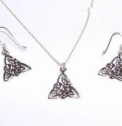 Set din argint - cercei si pandantiv - Triskell