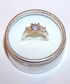 Inel din argint cu cristal de stanca multifatetat