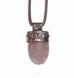 Pandantiv din argint cu cristal de cuart roz