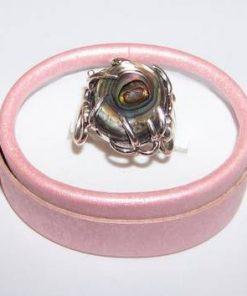 Inel din argint cu scoica marina in montura - model unicat