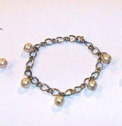 Set din metal nobil cu perle de cultura