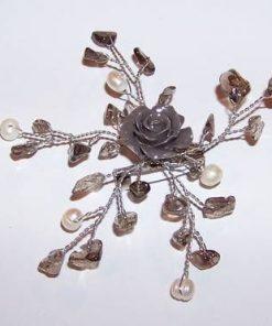 Brosa din metal nobil cu cristale de cuart fumuriu
