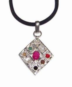 Pandantiv romb cu rubin si cele 7 cristale ale chakrelor