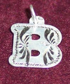 Pandantiv din argint cu initiala -B-- model deosebit!