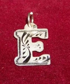 Pandantiv din argint cu initiala -E-- model deosebit!