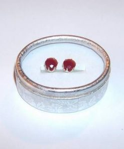 Cercei placati cu argint si cristale de rubin