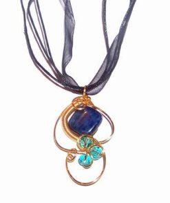 Pandantiv placat cu cristal de lapis lazuli
