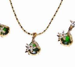 Set placat cu aur 18 K si cristale de smarald