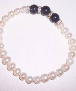 Bratara din perle sidef si onix, pe elastic
